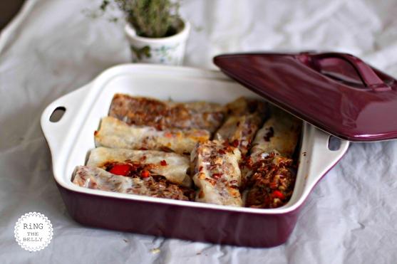 Sajgonki z czerwonym ryżem i pieczarkami