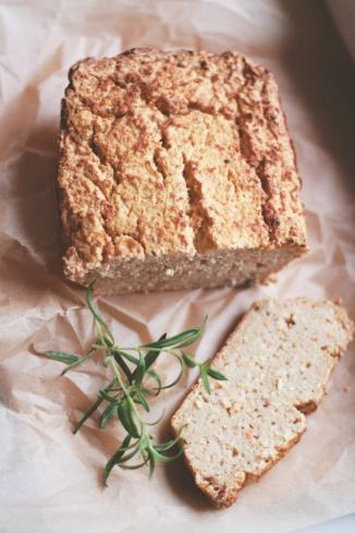 chleb-z-czarnej-rzepy